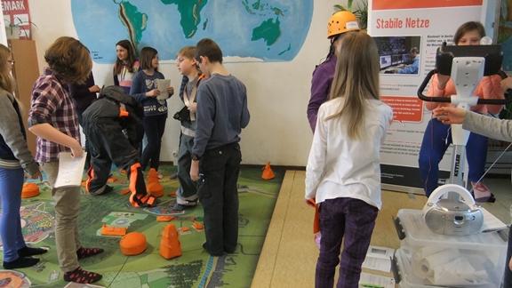 Foto Mitmachausstellung Kinder in Aktion